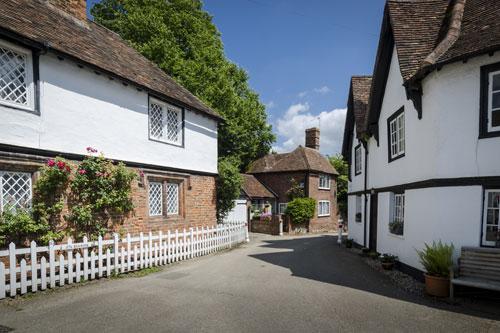 Ancient street - listed buildings lime plastering rendering plastering in Maidstone Kent
